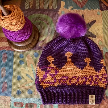 Beanies are my jam, so why not make a beanie that represents the Queen I am!
